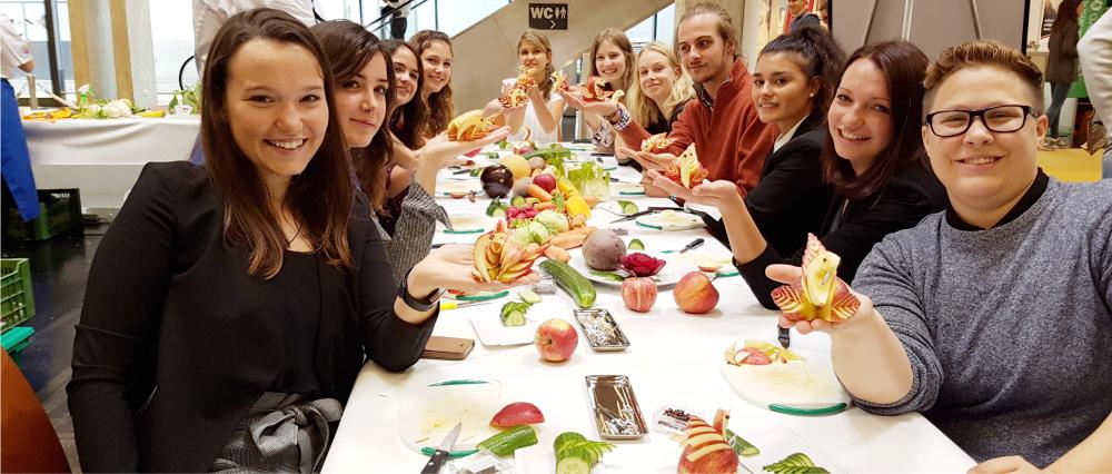 Obst- und Gemüseschnitzen lernen im Gräfenbrücker Eventhof